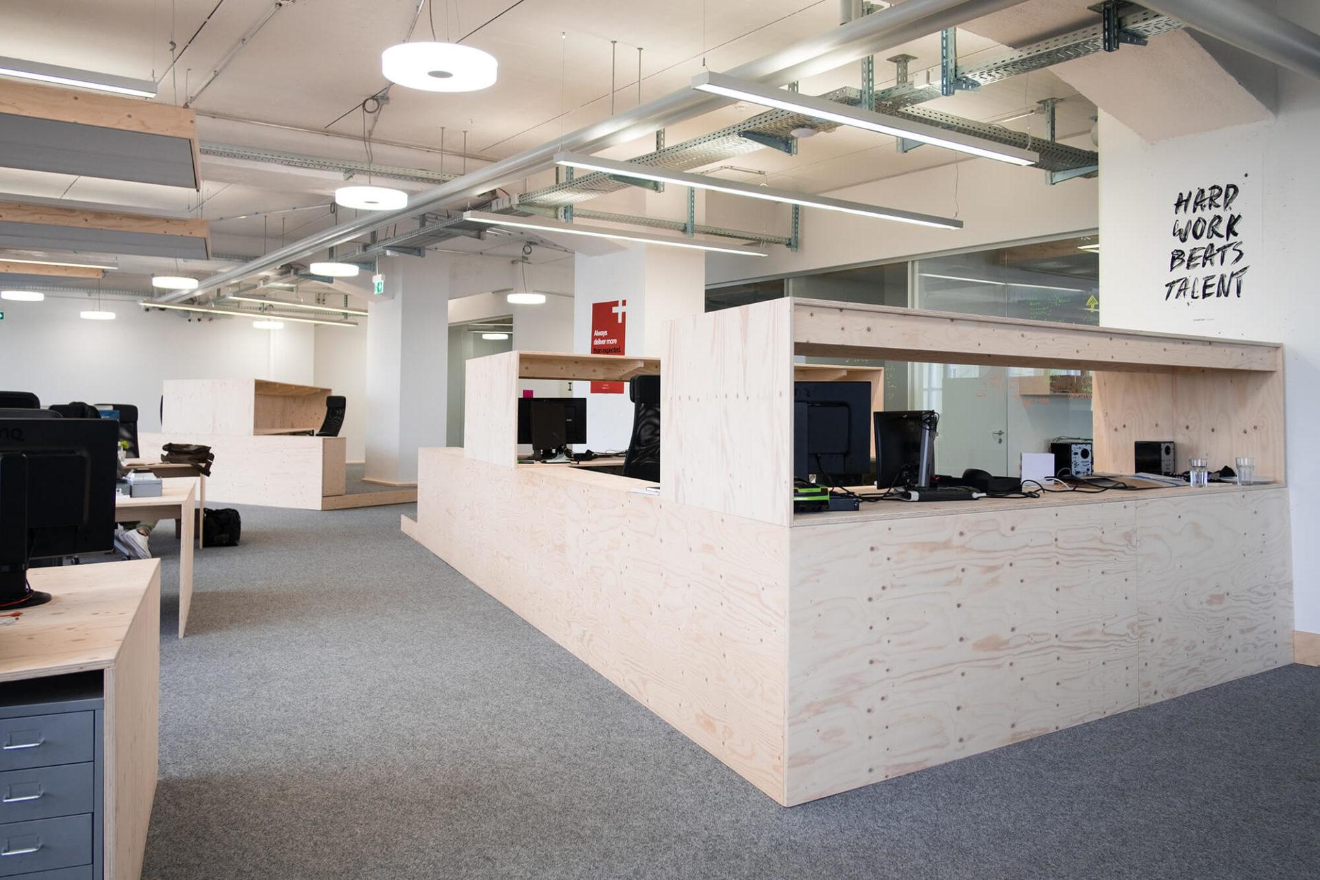 Holzbüroausstattung Büroeinrichtung Nobla Karlsruhe