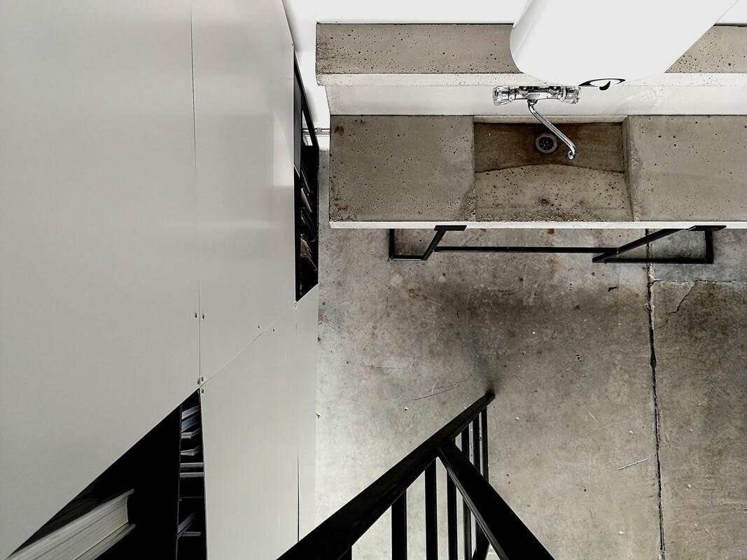 Rohbau Betonwaschbecken Bürogestaltung WhiteBox Nobla Karlsruhe