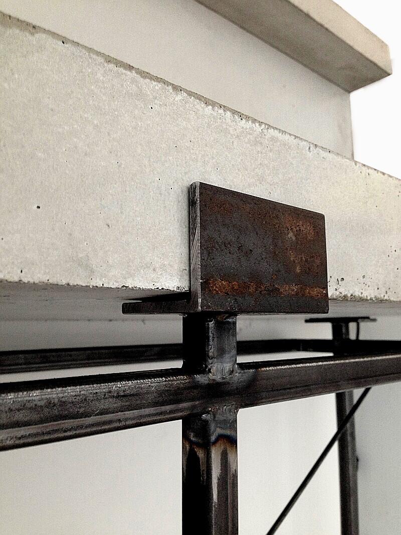 Stahldetails Betonhalterung Raumdesign WiteBox Nobla Innearchitekt