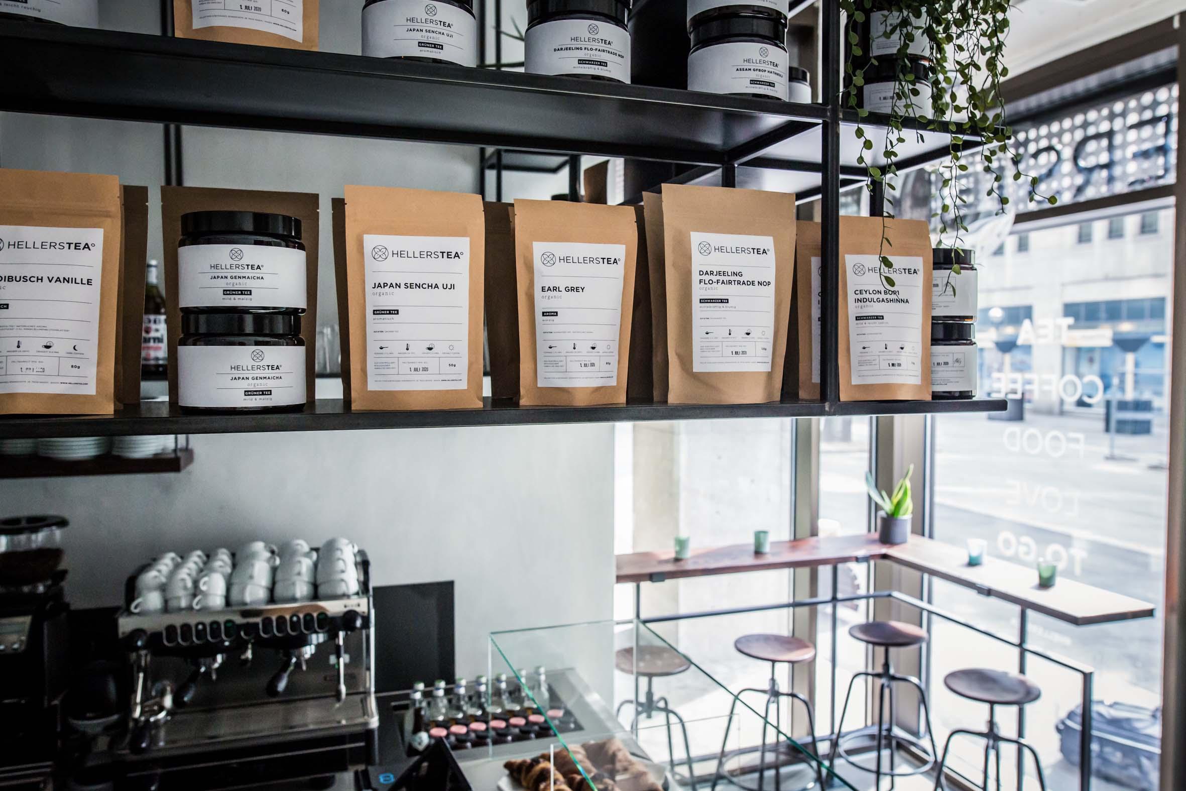 Teehängeregal Standbeutel Teesorten Hellers Tea Bar Nobla Innenarchitekt Karlsruhe