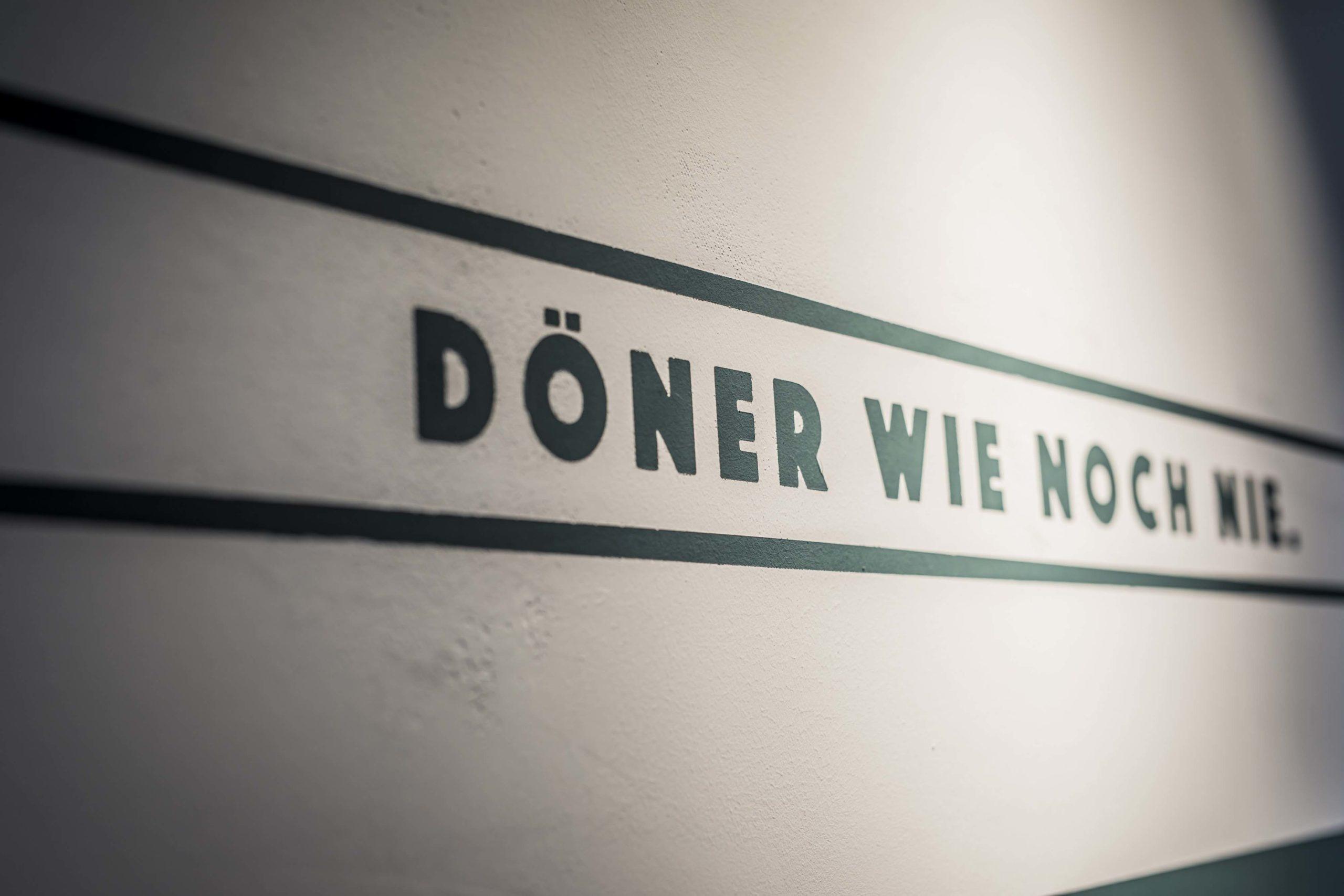 Slogan Neue Dönastie Wandschrift Design Nobla Karlsruhe